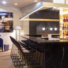 Отель THE FRITZ Düsseldorf Германия, Дюссельдорф - отзывы, цены и фото номеров - забронировать отель THE FRITZ Düsseldorf онлайн гостиничный бар