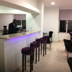 Luna Hotel Zombo гостиничный бар