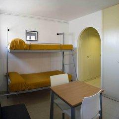 Albergue Inturjoven Sierra Nevada - Hostel в номере