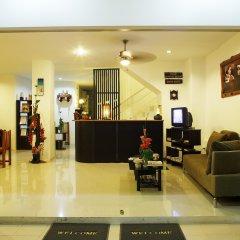 Отель Baan Oui Phuket Guest House интерьер отеля