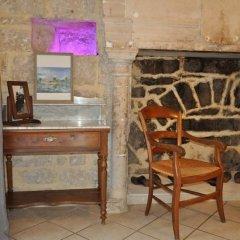 Отель Château de Bessas Gîtes удобства в номере фото 2