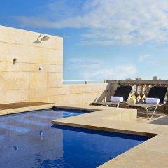Astoria Hotel бассейн