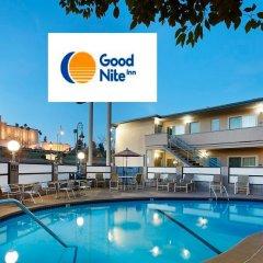 Отель Good Nite Inn West Los Angeles-Century City США, Лос-Анджелес - 1 отзыв об отеле, цены и фото номеров - забронировать отель Good Nite Inn West Los Angeles-Century City онлайн бассейн