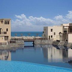 Отель The Cove Rotana Resort бассейн фото 4