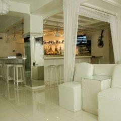 Апартаменты Conch Shell Studio at Sandcastles гостиничный бар