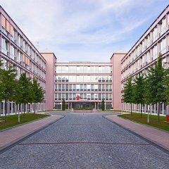 Отель AZIMUT Hotel Munich Германия, Мюнхен - 10 отзывов об отеле, цены и фото номеров - забронировать отель AZIMUT Hotel Munich онлайн парковка
