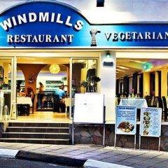 Отель Windmills Hotel Apartments Кипр, Протарас - отзывы, цены и фото номеров - забронировать отель Windmills Hotel Apartments онлайн гостиничный бар