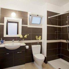 Отель Trident Beach Front Suite Кипр, Протарас - отзывы, цены и фото номеров - забронировать отель Trident Beach Front Suite онлайн ванная фото 2