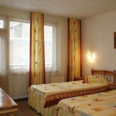 Отель Hadjipopov Green Lodge Банско комната для гостей фото 3