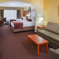 Отель Best Western Plus Cascade Inn & Suites комната для гостей фото 2