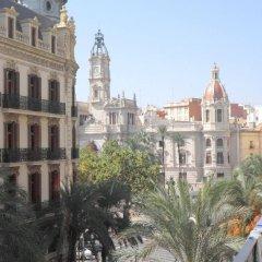Отель Pensión Universal балкон