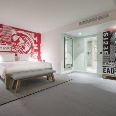Отель Radisson Red Brussels Брюссель сейф в номере