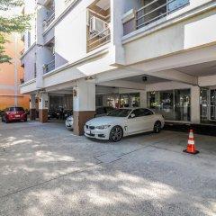 Oyo 129 Gems Park Hotel Бангкок парковка