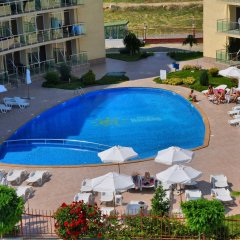 Отель Sunny Holiday Болгария, Солнечный берег - 1 отзыв об отеле, цены и фото номеров - забронировать отель Sunny Holiday онлайн бассейн фото 3
