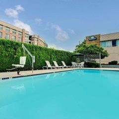 Отель Days Inn Arlington США, Арлингтон - отзывы, цены и фото номеров - забронировать отель Days Inn Arlington онлайн бассейн