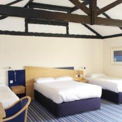 Beadlow Manor Hotel & Golf Club сейф в номере