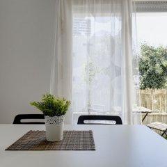 1 Bedroom Apartment With Balcony Израиль, Тель-Авив - отзывы, цены и фото номеров - забронировать отель 1 Bedroom Apartment With Balcony онлайн комната для гостей фото 5