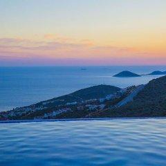 Villa Merak Турция, Калкан - отзывы, цены и фото номеров - забронировать отель Villa Merak онлайн бассейн фото 3