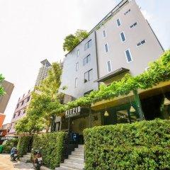 OYO 137 Kitzio House Hotel Бангкок парковка