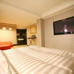 Click Hotel сейф в номере