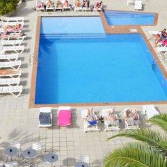 Отель azuLine Hotel S'Anfora & Fleming Испания, Сан-Антони-де-Портмань - отзывы, цены и фото номеров - забронировать отель azuLine Hotel S'Anfora & Fleming онлайн пляж фото 2