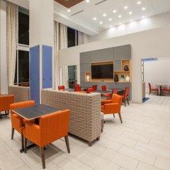Отель Holiday Inn Express & Suites Indianapolis NE - Noblesville гостиничный бар
