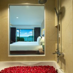 Отель Chanalai Garden Resort, Kata Beach ванная