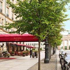 Отель Adlon Kempinski Берлин парковка