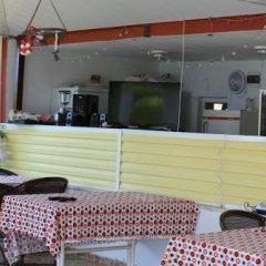 Отель Mavi Cennet Camping Pansiyon Сиде гостиничный бар