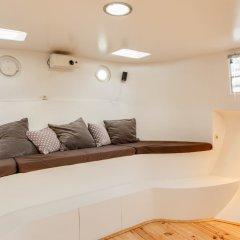 Апартаменты Houseboat Apartments - Canal Belt East Area комната для гостей фото 3