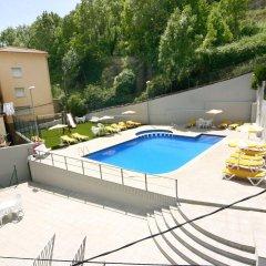 Отель Sant Antoni Рибес-де-Фресер бассейн