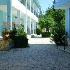 Отель Sofia's Hotel Греция, Каламаки - отзывы, цены и фото номеров - забронировать отель Sofia's Hotel онлайн парковка
