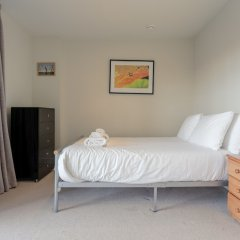 Апартаменты Charming 2 Bedroom Apartment Next to Maltby Market комната для гостей фото 5