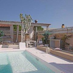 Отель Pink House Барселона бассейн