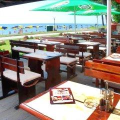 Отель Lotos - Riviera Holiday Resort Болгария, Золотые пески - отзывы, цены и фото номеров - забронировать отель Lotos - Riviera Holiday Resort онлайн гостиничный бар