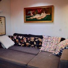 Апартаменты 2 Bedroom Apartment In Belsize Park комната для гостей фото 4