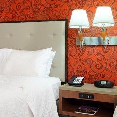 Отель Hampton Inn And Suites Columbus Downtown Колумбус сейф в номере