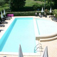 Отель Residence Il Fiore Del Garda Манерба-дель-Гарда бассейн