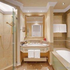 Hotel Königshof Мюнхен ванная