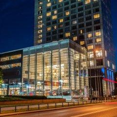 Hilton Warsaw Hotel & Convention Centre вид на фасад фото 3