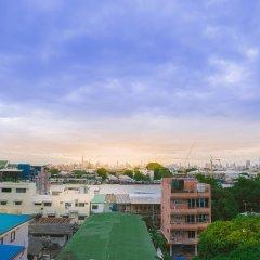Отель S.E.T Thanmongkol Residence бассейн