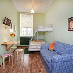 Гостиница Друзья на Грибоедова комната для гостей фото 4