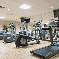 Отель Holiday Inn LaGuardia Airport США, Нью-Йорк - отзывы, цены и фото номеров - забронировать отель Holiday Inn LaGuardia Airport онлайн фитнесс-зал фото 3