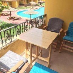 Отель Pool View Apart At British Resort 221 балкон