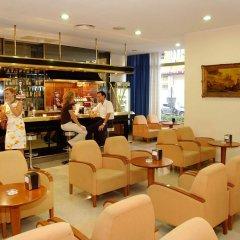 Отель Roc Flamingo гостиничный бар