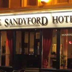 Отель SANDYFORD Глазго вид на фасад
