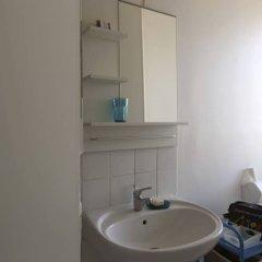 Апартаменты Modern Studio Near Montmartre 18th Arrondissement ванная фото 2