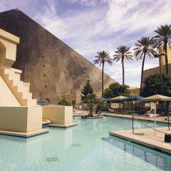 Отель Luxor бассейн фото 2