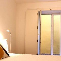 Отель Akicity Baixa Sunny сейф в номере
