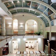 Отель Parlament бассейн